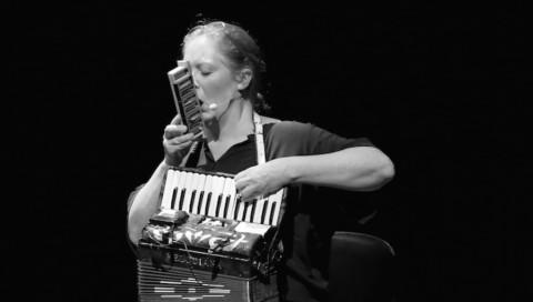 Online Masterclass 22: Carolyn Connors – Musician, Performer, Artist